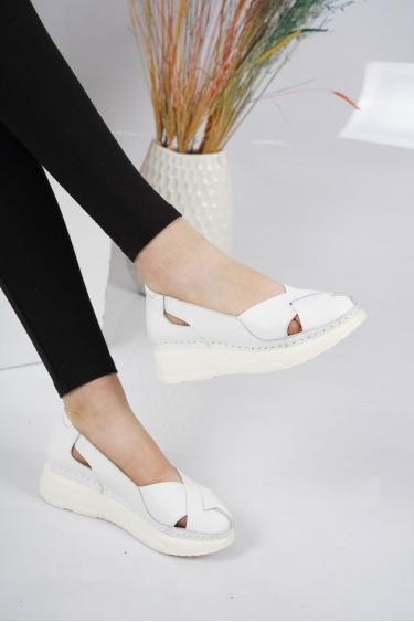 Hakiki Deri Beyaz_Multi Kadın Comfort Ayakkabı 221100103