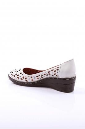 Hakiki Deri Beyaz Kadın Comfort Ayakkabı 109-4001