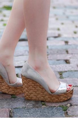 Hakiki Deri Gümüş Baskılı Kadın Burnu Açık Ayakkabı 201110603