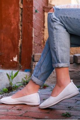 Hakiki Deri Beyaz Kadın Babet Ayakkabı 126-001