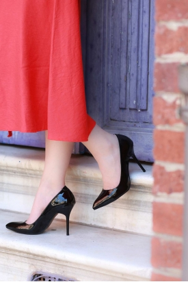 Siyah Rugan Kadın Stiletto Ayakkabı 202127101