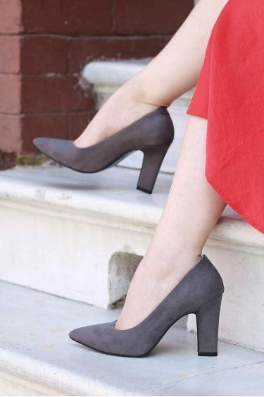 Gri Süet Kadın Stiletto Ayakkabı 202127102