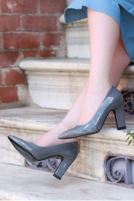 Gri Rugan Kadın Stiletto Ayakkabı 202127102
