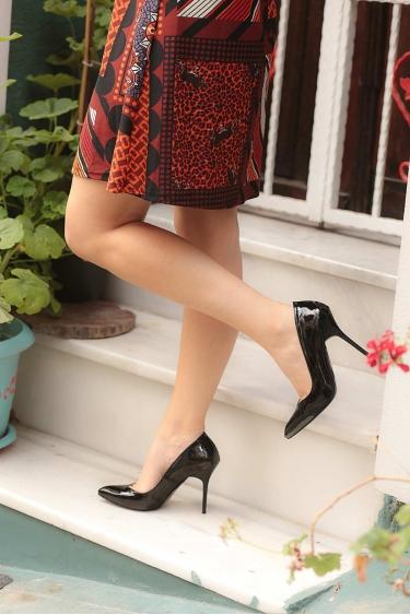 Siyah Rugan Kadın Stiletto Ayakkabı 202127105