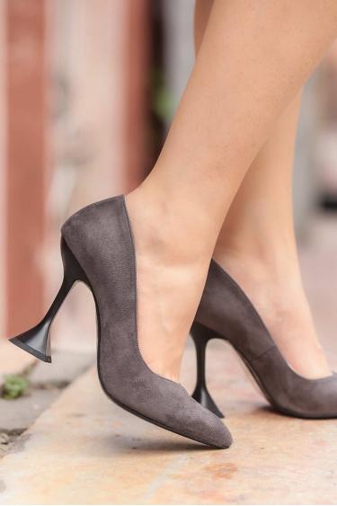 Gri Süet Kadın Stiletto Ayakkabı 202127106