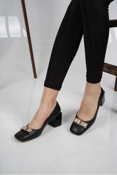 Hakiki Deri Siyah Kadın Topuklu Ayakkabı 212127101