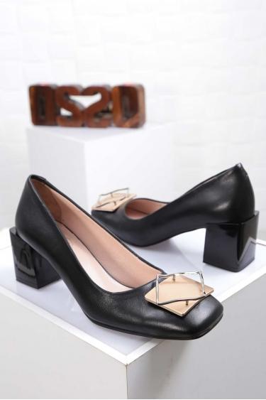 Hakiki Deri Siyah Kadın Topuklu Ayakkabı 212127102