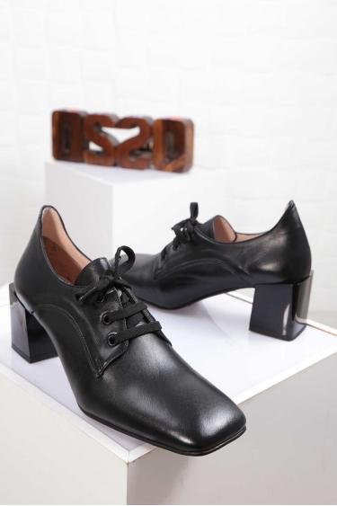 Hakiki Deri Siyah Kadın Topuklu Ayakkabı 212127104