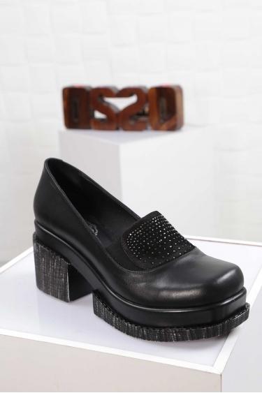 Hakiki Deri Siyah Kadın Topuklu Ayakkabı 212133103