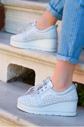 Hakiki Deri Beyaz-Gümüş Simli Kadın Comfort Ayakkabı 161-2010